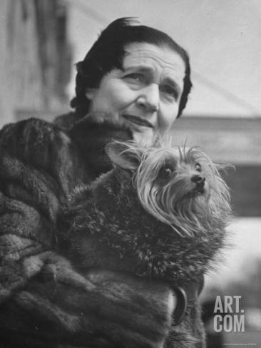 Fannie Hurst with her Yorkshire Terrier, Orphan Annie.