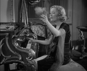 Miriam Hopkins is a goddess.
